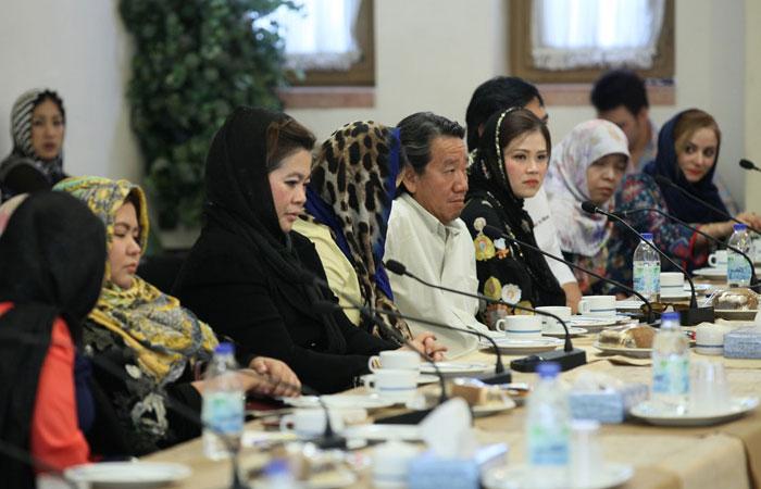نشست تولید کنندگان مواد غذایی حلال کشور تایلند و اصفهان