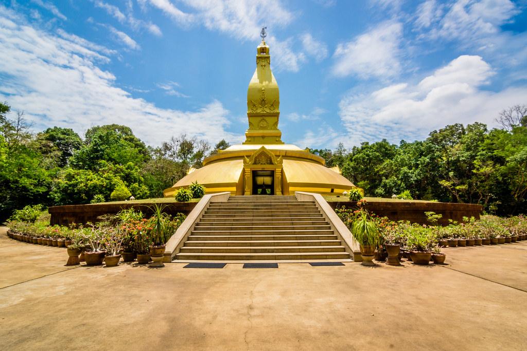 معبد په پونگ تایلند