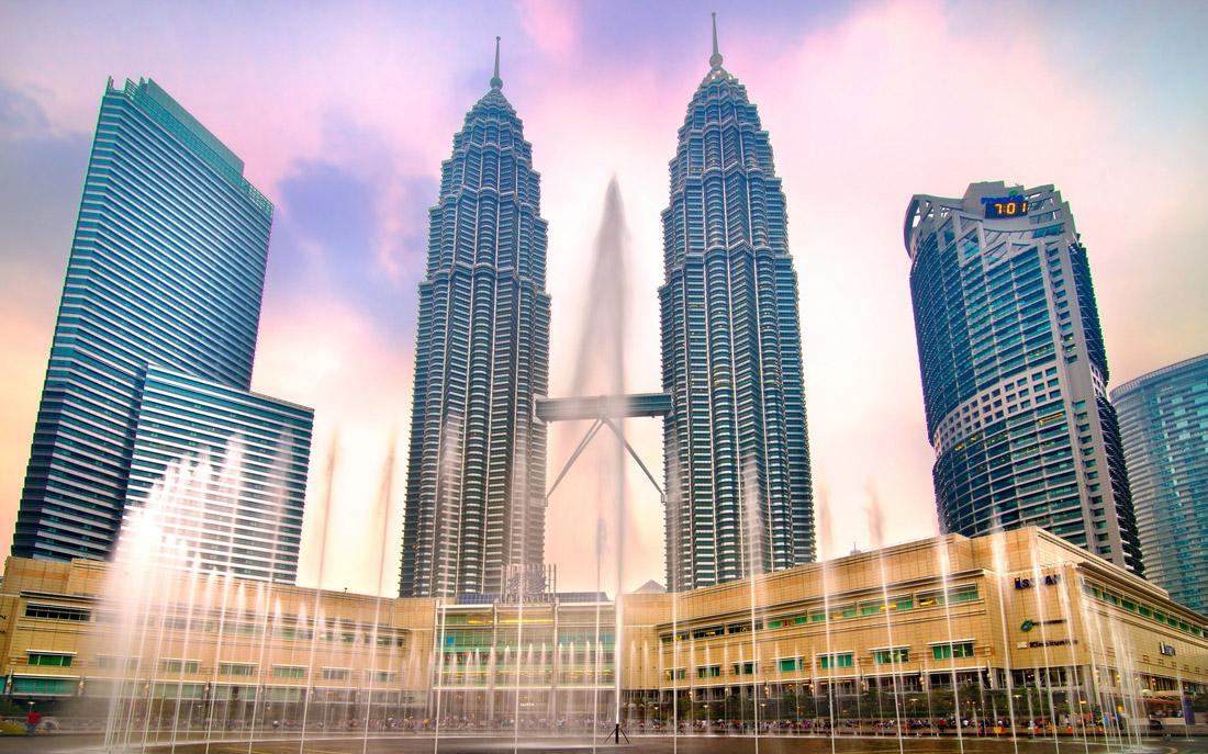 برج های دوقلوی پتروناس کوالالامپور در مالزی