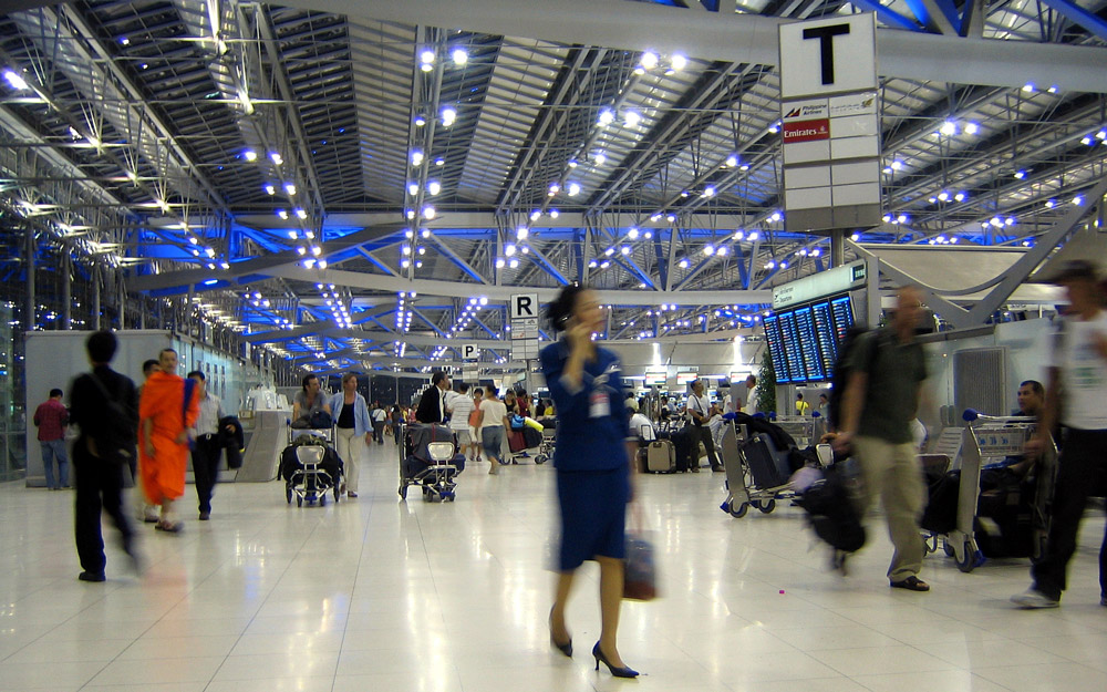 رفت و آمد بین فرودگاه بانکوک و مرکز شهر