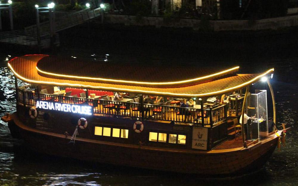تفریح روی کشتی کروز هندی در تور تایلند