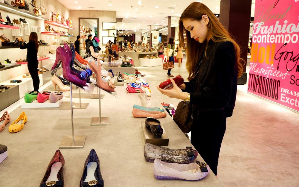 خرید کفش با کیفیت و ارزان قیمت در تور بانکوک