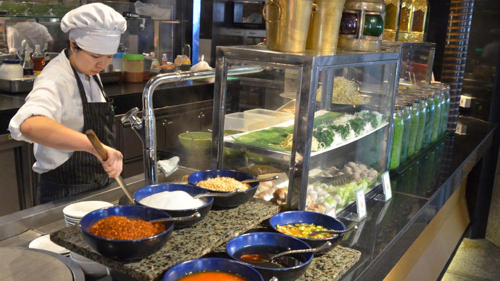 پنج رستوران بوفه (هر چه قدر می توانید بخورید) کمتر از 500 بات در بانکوک