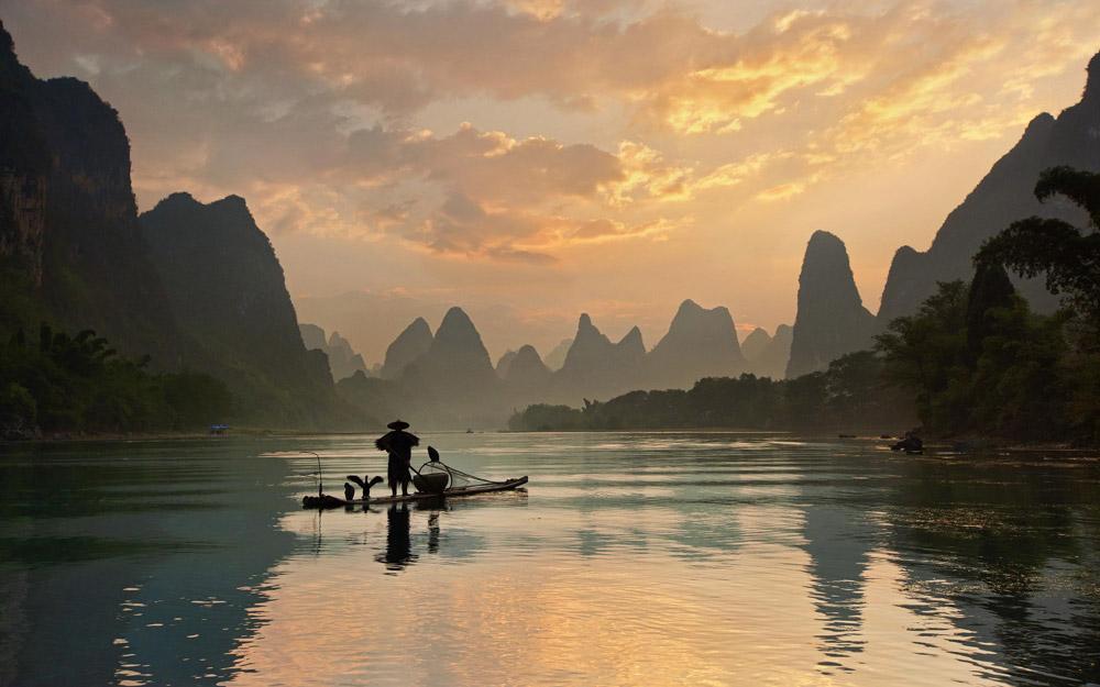 یک تجربه شاعرانه با قایق سواری در رودخانه لی در چین