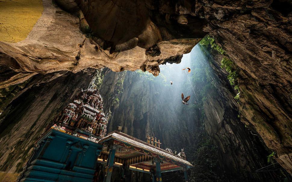 بازدید از غارهای مقدس باتو در تور مالزی