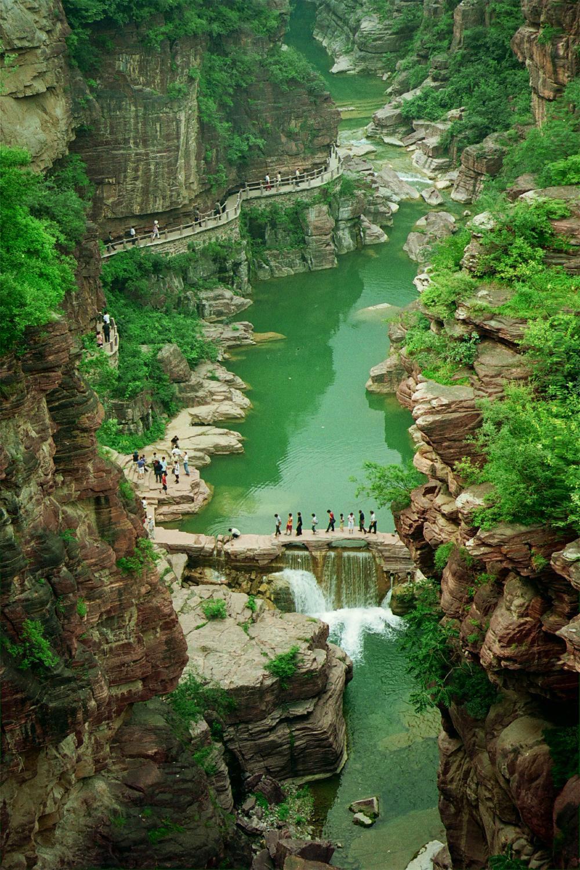 بازدید از جاذبه های طبیعی چین در ژئوپارک یونتایشن