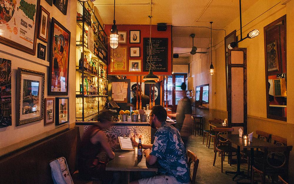 کافه و گالری WTF، بانکوک